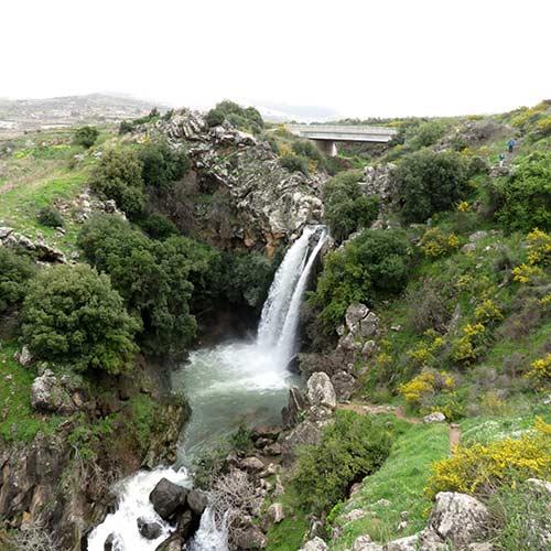 saar-waterfall-hike